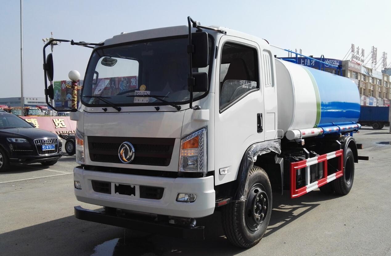东风12吨洒水车图片1